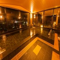女性大浴場 内風呂 夜