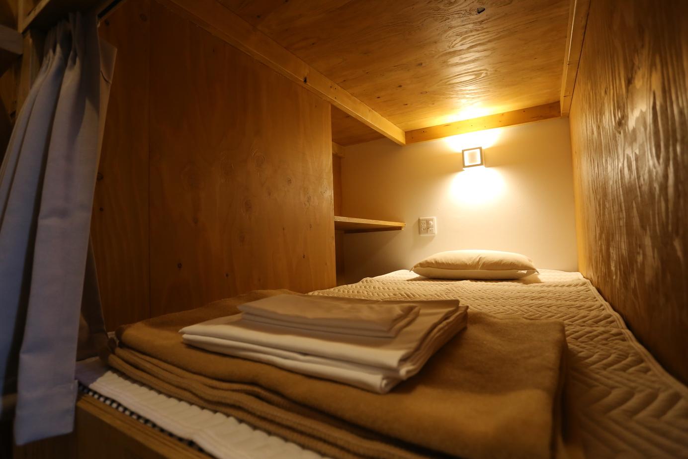 女性専用ドミトリー/female dormitory