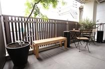 テラス&喫煙スペース/terrace&smoking areas