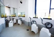 共用浴場の浴室