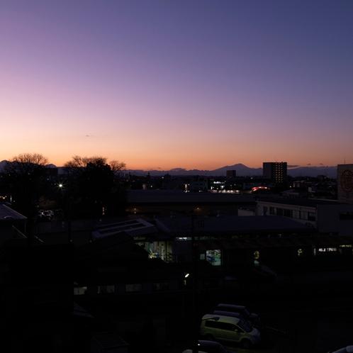 【周辺風景】晴れた日には赤城・秩父の山が周囲に見渡せます。