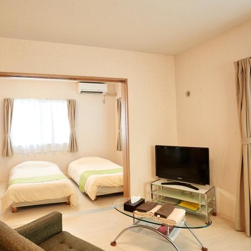 客室リビング&ベッドルーム