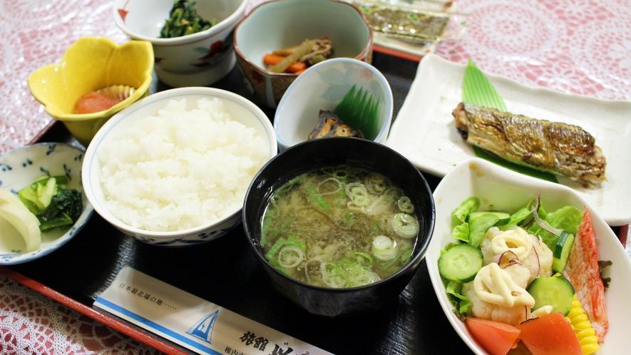 *【朝食全体例】和定食の朝ご飯。体が喜ぶお食事で1日のスタートを。