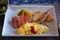 朝食(洋風)の卵料理