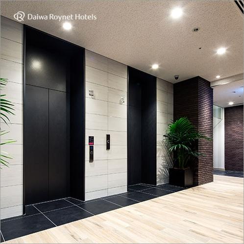 1階エレベーターホール入口