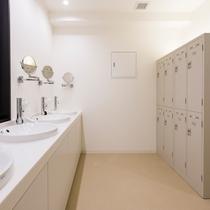 【共用スペース】洗面台&ロッカー