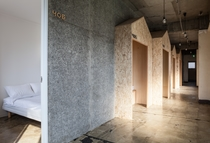 Corridor 3F - 女性専用フロア廊下