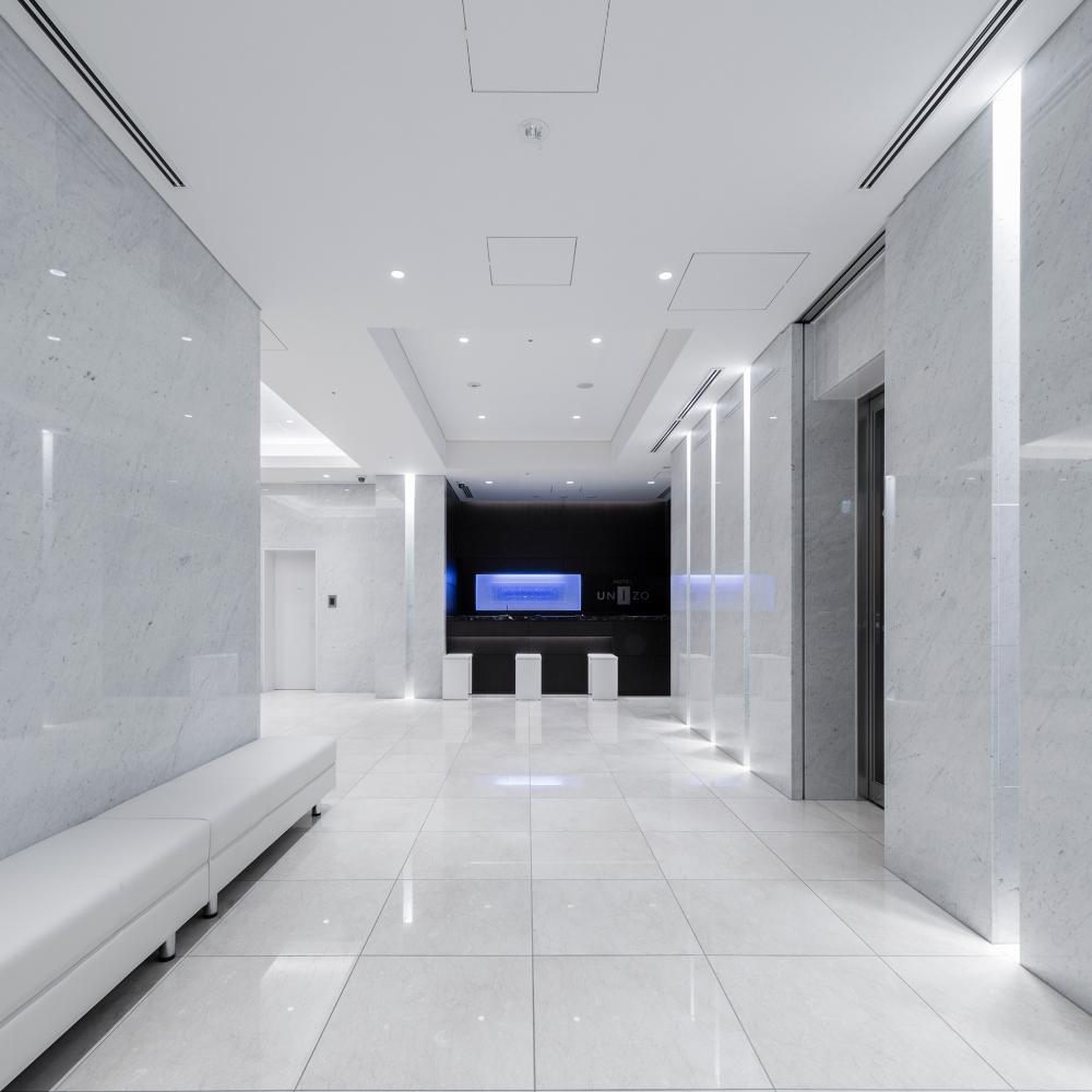 エントランスホール(1F)