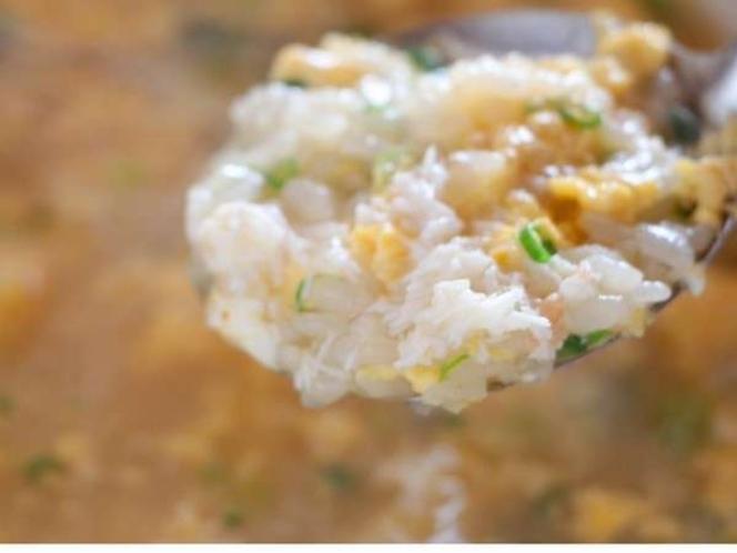 蟹フルコースの〆の蟹雑炊はお腹がいっぱいでも食べたいほど絶品
