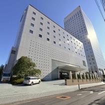*ホテルオークラ東京を中心に、グローバルに展開するオークラホテルズ&リゾーツの安心感をここ海老名で。