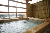 檜の露天風呂2