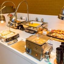 朝食:ビュッフェスタイルで50種類以上のボリュームです