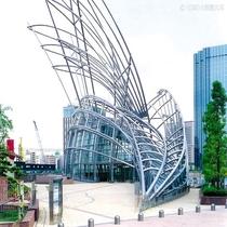 大阪観光スポット:国立国際美術館
