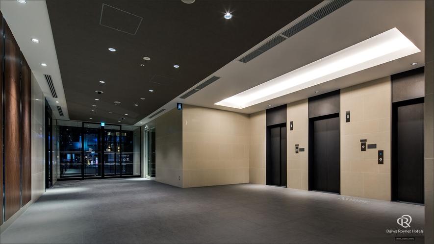 エレベーター前(1階)