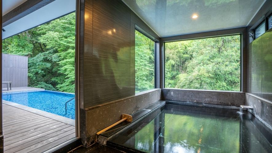 プライベート温泉プール付き川沿いヴィラ【関山 kanzan】プールから客室温泉へといざないます。