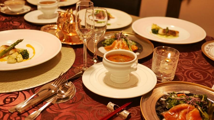 ご夕食(洋食コース)の一例。