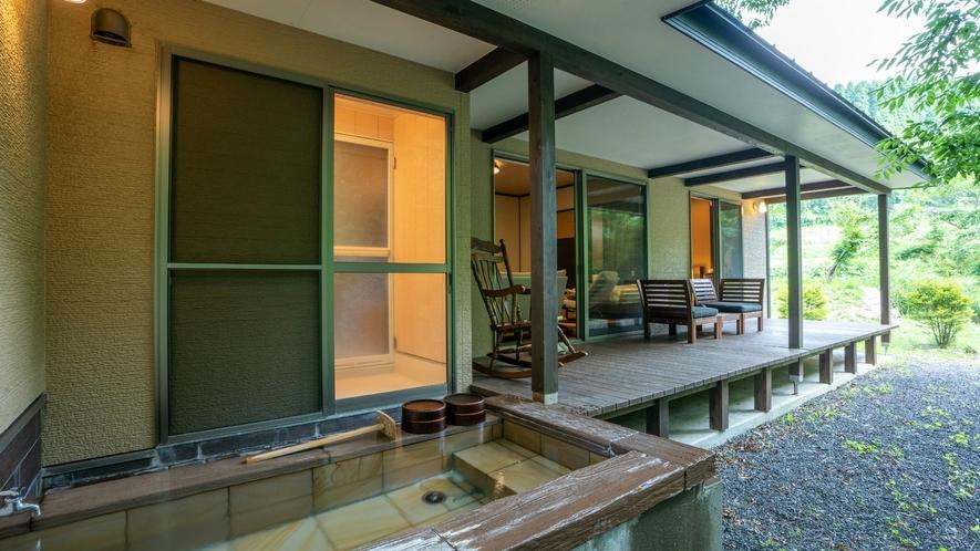 岩露天付離れ【一葉 ichiyou】客室専用岩露天風呂は100%源泉かけ流し。ペット利用不可