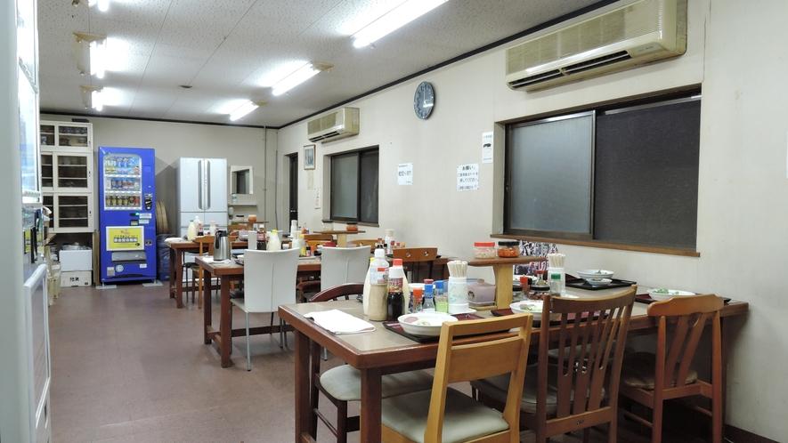 *館内一例:食堂(食堂は徒歩1~2分の別館にございます)