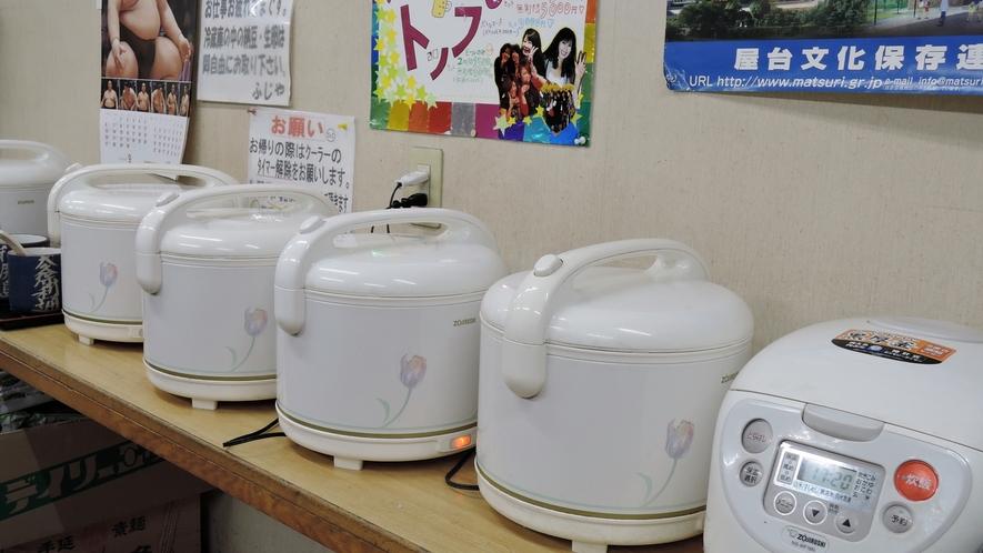 *お食事時、ご飯・納豆・韓国のり・らっきょう・キムチ食べ放題!