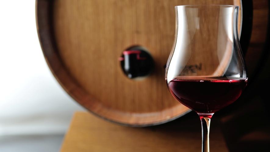 【熱海マリアージュプラン】伝統のフランス料理と共に〜シャンパン、白ワイン2種、赤ワイン、食後酒付〜