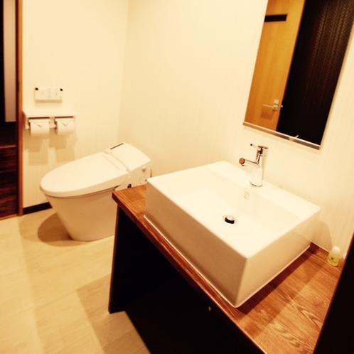 ・restroom・