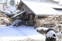 【冬】雪化粧の古里庵です。