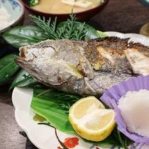 *【ご朝食一例】朝ご飯で外せないのが焼き魚!新鮮なお魚と適度な塩分でエネルギーたっぷり!