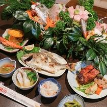*【ご夕食一例】獲れたての魚介類をふんだんに使用したお食事が当館の自慢です!