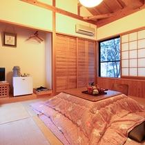 [客室:離れ]落ち着いた雰囲気の和室。専用内湯・露天風呂付で少し贅沢な時間を。