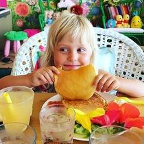*HO ALOHAの休日/おっきなパンケーキににっこり♪(※CAFEでの朝食は別途要問合せ)