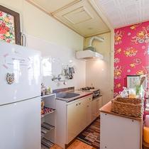 *【館内/共同キッチン】冷蔵庫、調理器具、食器等ご用意していますのでご自由にご利用ください