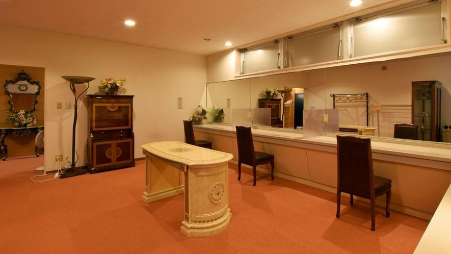 【カプセルラウンジ】カプセルホテルをご利用のお客様がご利用になれるラウンジになります。