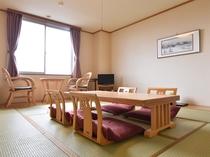 【和室A(バス付)】気の合う仲間の皆さんでご利用いただくのにもうってつけのお部屋です。