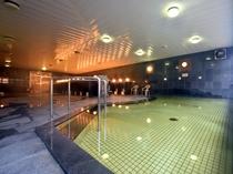 【大浴場】ご宿泊の際は是非ゆっくりと湯につかって日々のお疲れをお癒しください。