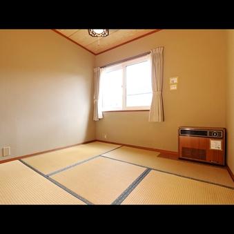 畳が落ち着く1〜2名様ご利用の和室です☆