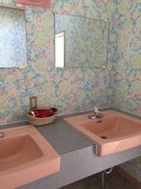 小風呂の脱衣所