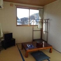 *和室一例/葡萄森を始めとした山並みをご覧いただけるお部屋です。