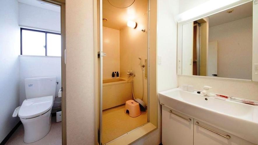 ★和室はトイレ・バス・洗面が全て分かれています。ご家族連れに人気です。