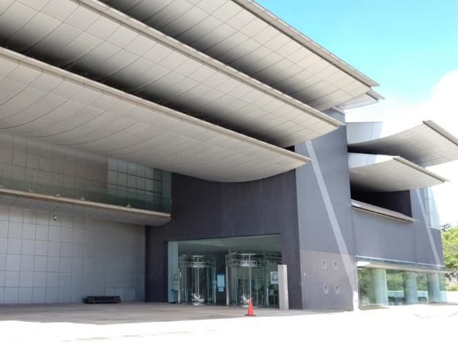 和歌山県立近代美術館(当館から徒歩5分ほど)
