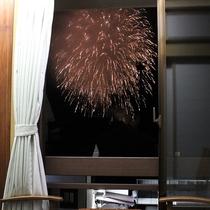 花火が見える6畳のお部屋の花火画像