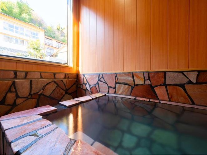 貸し切り風呂・岩風呂