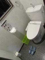 4階 男女兼用トイレ ウォシュレット付き