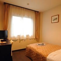 *シングル<禁煙>/出張や観光、一人旅にもオススメ。快適な宿泊環境をご用意しております。