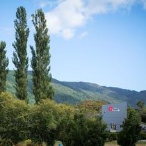 *外観/当館近くにはツツジの名所「今出山」も♪観光や長期滞在にもご利用下さいませ。