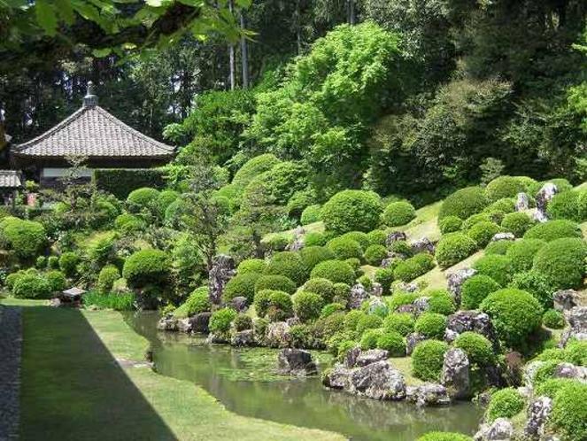 龍譚寺庭園