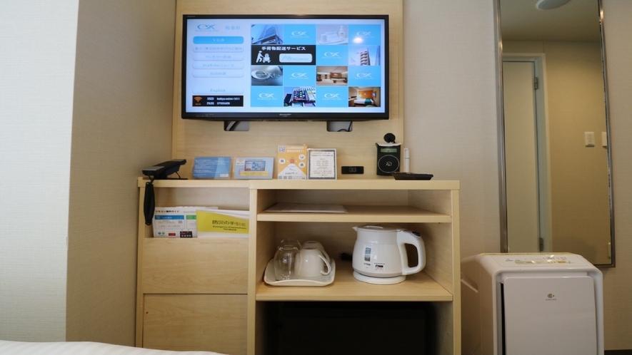 客室内テレビと備品
