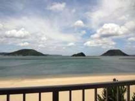目の前に広がる唐津湾が一望できる白砂の海辺 10畳