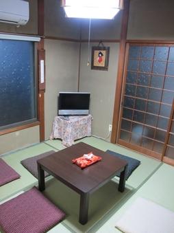 【に】のお部屋■個室タイプ(4.5畳和室と4畳書斎)■