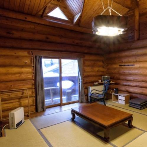 ログハウス和室(10畳)