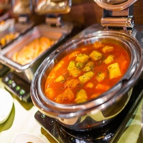 【定食屋「米どころん」朝食】 和惣菜を中心に日替わりでご用意
